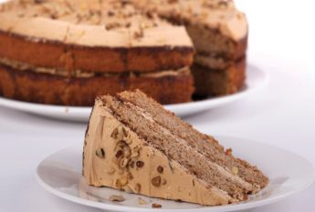 74728 Coffee & Walnut Cake